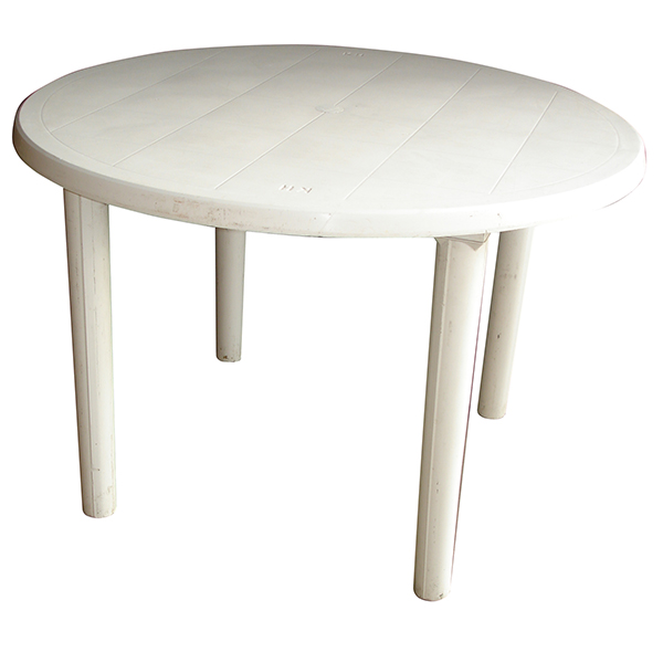 WHITE ROUND TABLES 4 SEATER